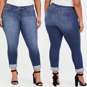 Torrid premium boyfriend jeans size 26
